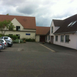 Location Bureau Senlis 190 m²