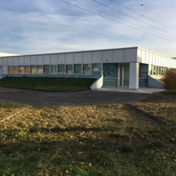 Location Local d'activités Eysines 576 m²