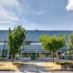 Location Entrepôt Combs-la-Ville 2059 m²