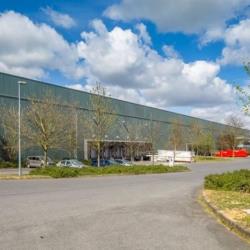 Location Entrepôt Saint-Witz 10443 m²