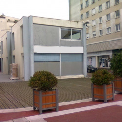 Location Local commercial Lorient 76 m²