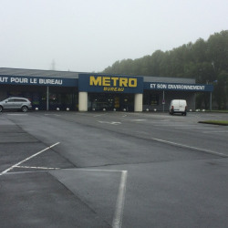Location Local commercial Hénin-Beaumont 1436 m²