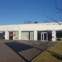 Location Local commercial Melesse 900 m²
