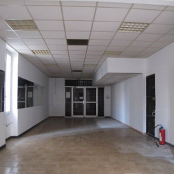 Location Local commercial Marseille 11ème 78 m²