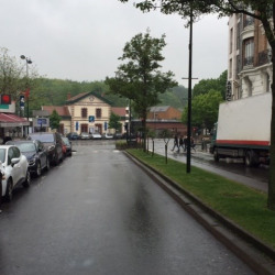 Location Local commercial Garches 500 m²