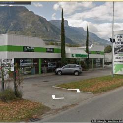 Location Local commercial Saint-Égrève 1430 m²