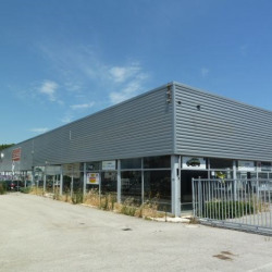 Location Local commercial Aix-en-Provence 897 m²