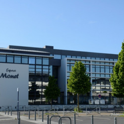 Location Bureau Caen 95 m²