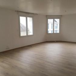 Location Bureau Fougères 99 m²