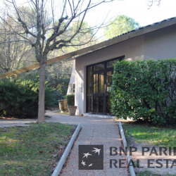 Location Bureau Aix-en-Provence 849 m²