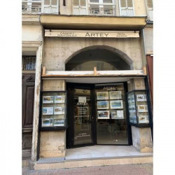 Location Local commercial Hyères 24,65 m²