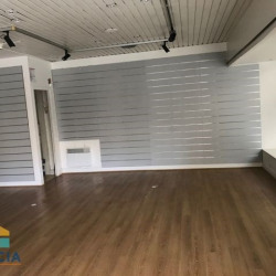 Location Local commercial Chartres 52 m²
