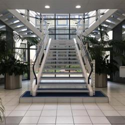 Location Bureau Guyancourt 918 m²