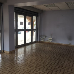 Location Local commercial Le Tholonet 30 m²