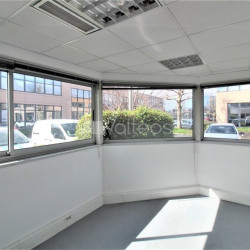 Location Bureau Labège 77 m²