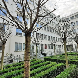Location Bureau Courbevoie 67 m²