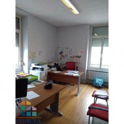 Location Local commercial Bourgoin-Jallieu 86 m²