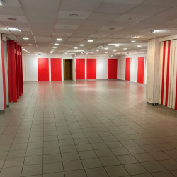 Location Local commercial Beauvais 200 m²