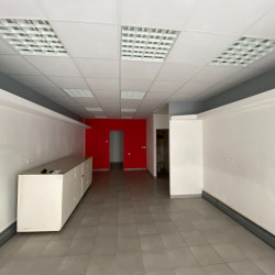 Location Local commercial Angoulême 43 m²