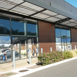 Location Local commercial Soyaux 240 m²