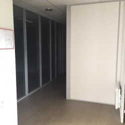 Location Bureau Morestel 98 m²