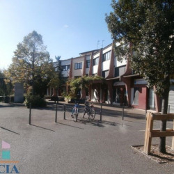 Location Local commercial Saint-Fons 415 m²