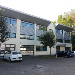 Location Bureau Saint-Pierre-du-Perray 653 m²