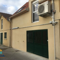 Location Local commercial Bonneuil-en-France 85 m²