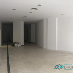 Location Local commercial Montrouge 120 m²