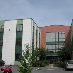Location Bureau Vern-sur-Seiche 1022 m²