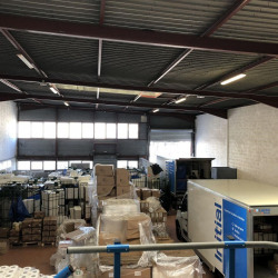 Location Local d'activités Carros 1200 m²
