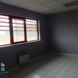 Location Local commercial Mainvilliers 120 m²