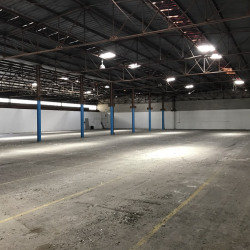 Vente Entrepôt Vitrolles 9150 m²
