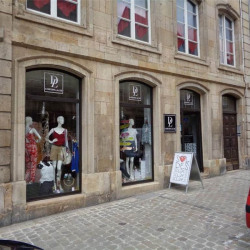 Location Local commercial Langres 75 m²