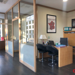 Location Local commercial Bron (69500)