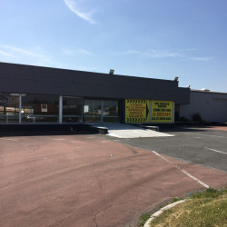 Location Local commercial Férin 790 m²