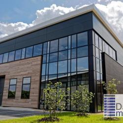 Location Entrepôt Sucy-en-Brie 865 m²
