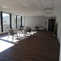 Location Bureau Labège 79,12 m²