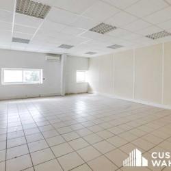 Location Local d'activités Aubagne 1500 m²