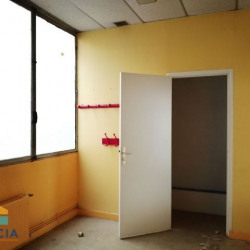 Location Local commercial Nancy 111 m²