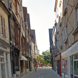 Location Local commercial Bourges 60 m²