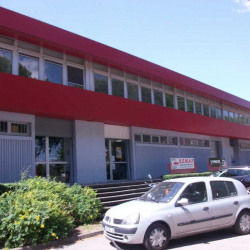 Location Local commercial Lattes 137 m²