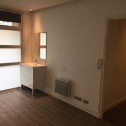 Location Local commercial Rueil-Malmaison 95 m²