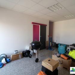 Location Bureau Chelles 64 m²