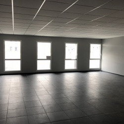 Vente Bureau Boos 68 m²