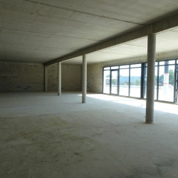 Location Local commercial Canals 374 m²