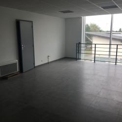 Location Bureau Achères 851 m²