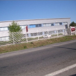 Location Local d'activités Les Echets 2123 m²