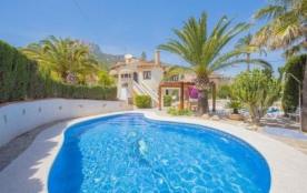 Villa Ol Eri. Belle villa d'été avec piscine privée située à Calpe, à quelques mètres de la plage...