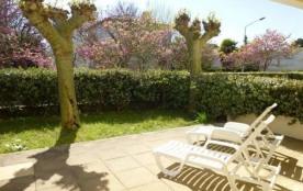 ROYAN - Plage du CHAY - APPARTEMENT en rez de jardin - proche Thalassothérapie et Garden TENNIS